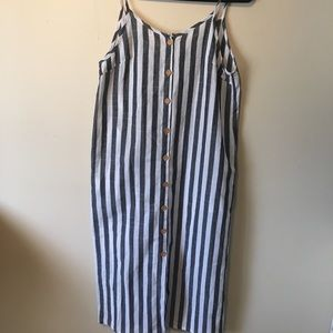 Shein size medium black & white sleeveless dress.